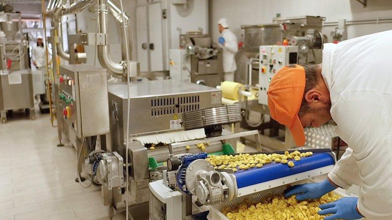 riparazione linea produzione pasta fresca